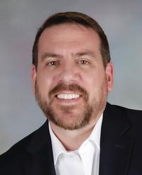 Agente de seguros Damon Millar