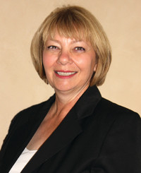 Insurance Agent Yvonne Peterson