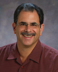 Agente de seguros John Cardinale