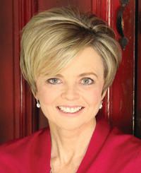 Agente de seguros Angi Tennant