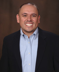 Agente de seguros Eddie Olivas