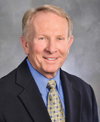 Agente de seguros Larry Bruce