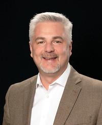 Agente de seguros Tim Brown