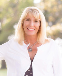 Agente de seguros Angela McKinney