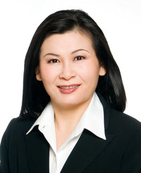 Insurance Agent Sharon Leung