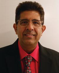 Agente de seguros Manny Pohani