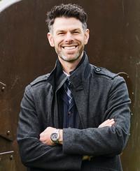 Agente de seguros Joshua Merrion