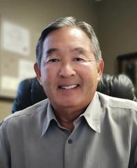 Agente de seguros Ken Inouye