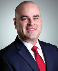 Agente de seguros Mike Cordero
