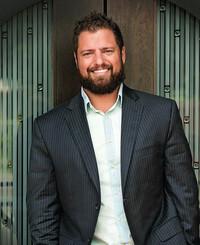 Agente de seguros Brett Holland