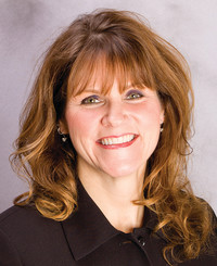 Agente de seguros Kirsten Wood