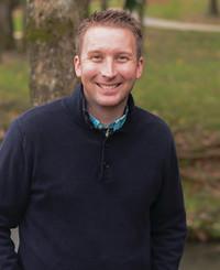 Agente de seguros Josh Ellis