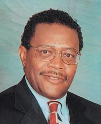 Agente de seguros Raymond Wright