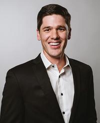 Agente de seguros Derek Reiman