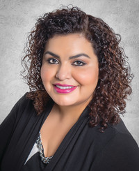 Insurance Agent Lily Hernandez