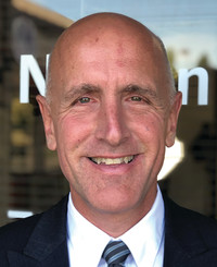 Agente de seguros Michael Nelson