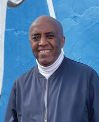 Agente de seguros Ezra Teshome