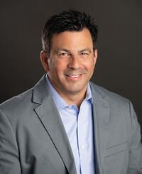 Agente de seguros Pat Quahliero