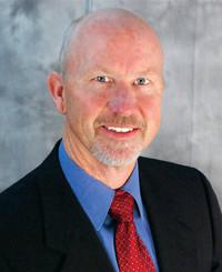 Agente de seguros Chuck Hewett