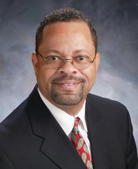 Agente de seguros Tony Dean Sr.