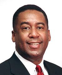 Agente de seguros James Owens