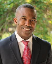 Agente de seguros David Roberts