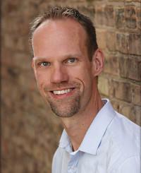 Agente de seguros Brian Budil