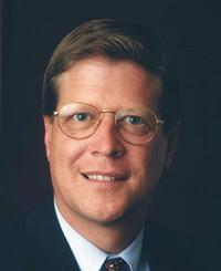 Agente de seguros Dennis Bradford