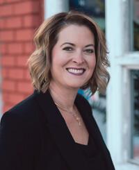 Agente de seguros Sarah Rader
