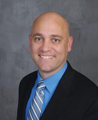 Agente de seguros Peter Bahen
