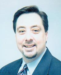 Agente de seguros Lou Mindar