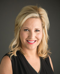 Insurance Agent Kelly Bates