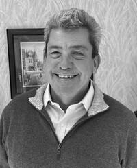 Agente de seguros Michael Duval