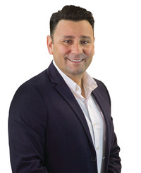 Agente de seguros David Armendariz