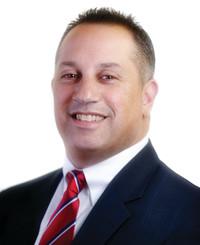 Agente de seguros Larry Taccone