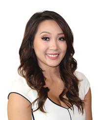 Agente de seguros Zara Pham