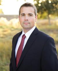 Agente de seguros Derek Poppell