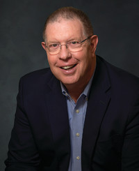 Agente de seguros David Hopewell