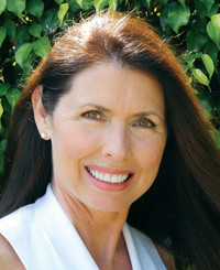 Insurance Agent Cindy Papandreas