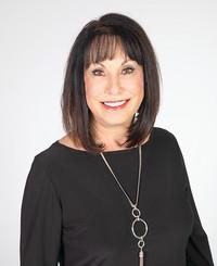 Agente de seguros Bette Davidson