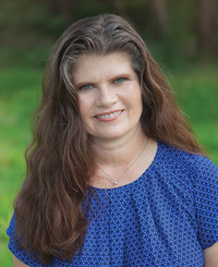 Insurance Agent Brenda Henning