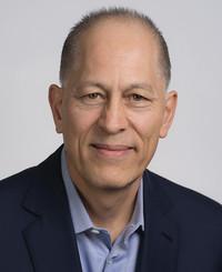 Agente de seguros Peter Schiro