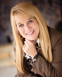 Insurance Agent Stephanie Hartke